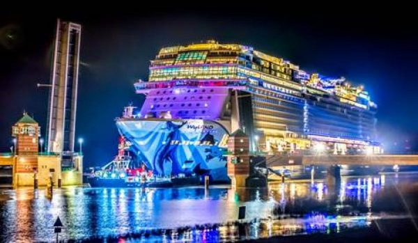 Ferry Publications NORWEGIAN BLISS BEGINS HER CONVEYANCE UP RIVER